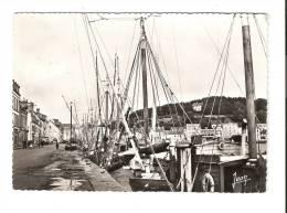 CPA -29 - Finistère : Audierne : Un Coin Du Port . Beau Timbre - Audierne