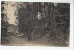 95 - AUVERS-SUR-OISE - CYCLISTE RUE DAUBIGNY - 1921 - Auvers Sur Oise