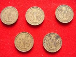 République Française . Afrique Occidentale Française . 5  Pièces De 1956 De 5 Francs - Colonie