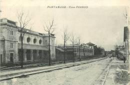 Pontarlier : Usine PERNOD. 2 Scans. - Pontarlier