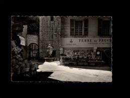 06 - VENCE - La Place Du Peyra Et La Fontaine - 88-28 - Poterie - Vence