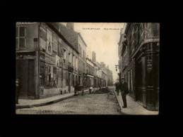 08 - CHARLEVILLE - Rue Bourbon - Cantonnier - Charleville