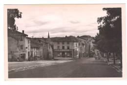 43.-  CRAPONNE -sur-ARZON.  Place De La Grenette - Craponne Sur Arzon