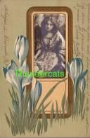 CPA EN RELIEF GAUFREE FEMME ART NOUVEAU ** EMBOSSED CARD ART NOUVEAU LADY - Illustrateurs & Photographes