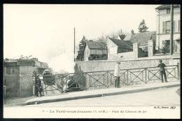 """CPA. La Ferté-sous-Jouarre. Pont Du Chemin De Fer.   """"Train"""" - La Ferte Sous Jouarre"""