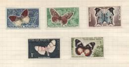 Republique Malgache - Lot De 5 Timbres - Madagaskar (1960-...)