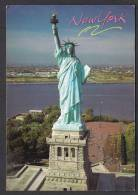 USA Picture Postcard New York Statue Of Liberty, Postal Used 2000 - Sculture