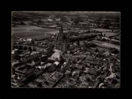 44 - CARQUEFOU - Vue Aérienne De La Place De L'Eglise - 1 - Carquefou