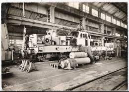 LE CREUSOT - CPSM - Usine Schneider - Chaîne De Montage De Locomotives électriques - Le Creusot