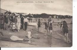 JUAN LES PINS - La Plage, Bains De Mer - Juan-les-Pins