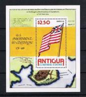 Antigua 1974 Flagge Block 24 ** - Antigua Und Barbuda (1981-...)