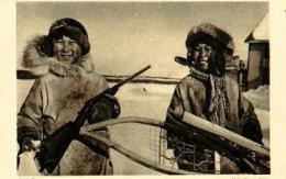 Amérique ( Alaska ).Deux Jeunes Esquimaux Catéchisés .......( Chasse ) - Missions