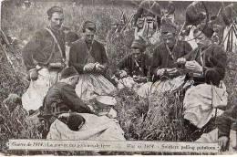 AK MILITARIA KRIEG 1914 WAR OF 1914 SOLDIERS PELLING POTATOES SOLDATEN Kartoffelsch�len OLD POSTCARD 30.MAR1915