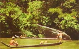 Dayaks Fishing Sarawak River - Maleisië