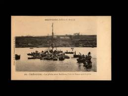 22 - TREGUIER - La Pêche Aux Huîtres - Visite Des Bateaux Après La Pêche - 56 - Tréguier