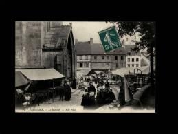 22 - TREGUIER - Le Marché - 33 - Tréguier
