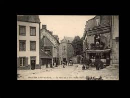 22 - TREGUIER - La Place Et La Rue Saint-André - 175 - Tréguier