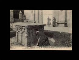 22 - TREGUIER - Coutumes, Moeurs Et Costumes Bretons - Le Tombeau De Saint-Yves De Vérité - 186 - CMCB - Tréguier