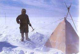 Camping Polaire  Cp éditée  à L´occasion Du 50 E Anniversaire Des Expéditions Polaires Française - TAAF : Terres Australes Antarctiques Françaises