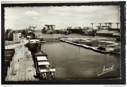 44 - SAINT NAZAIRE - LE BASSIN DE PENHOET ET LES CHANTIERS - Saint Nazaire