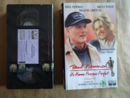 UN HOMME PRESQUE PARFAIT - VHS CASSETTE  - PAUL  NEWMAN - Videocassette VHS