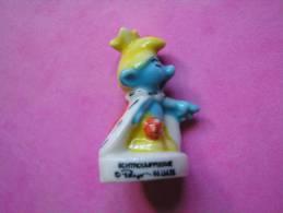 Ancienne Feve Porcelaine SMURF ♥ SCHTROUPFISSIME ♥ Serie LES SCHTROUMPFS 1996 ( FEVES ) - BD