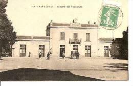 CHARENTE  BARBEZIEUX   La Gare Des Voyageurs  Animée écrite - Autres Communes