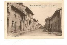 CPA   51 Marne Sainte Menehould Grande Rue Du Chateau Et Puits  Neuve Non Circuléed Mainon TBE - Sainte-Menehould