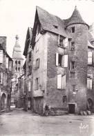 20807 Sarlat, Rue Liberte Bordent Logis Vieux Temps. Yvon  IB 4739. Café Restaurant