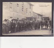 69 - SUPERBE  CPA  De  CHAMELET - 2  DILIGENCES  Devant  Hôtel LAROCHE  En  1912  (  Très  Très  Animée ) - France