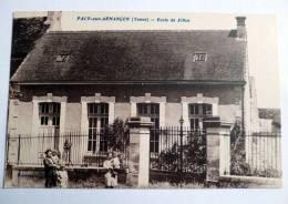 Pacy Sur Armançon ( Yonne ) - Ecole De Filles , Animée - Autres Communes