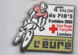 Superbe Pin´s En Zamac , Salon Du Pin's De Louviers , Croix Rouge , Vélo , Cyclisme , N° 051 , Ballard (merci Jean Paul) - Associations