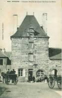 22 GOUAREC L'Ancien Pavillon De Chasse Des Ducs De Rohan - Gouarec