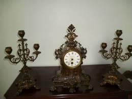 Pendule Rare Avec 2 Candelabres Signée AU TAPIS ROUGE 1784 PARIS - Other Collections