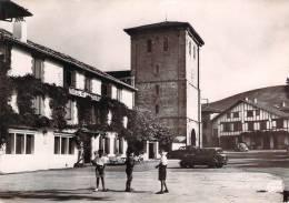 CPSM  Ascain La Place Et L'église  (animée)   TC 1461 - Frankreich