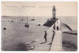 Ile D'Oléron - La Cotinière - La Jetée Et Le Phare - N'a Pas Circulé - Faros