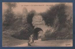 76 SEINE MARITIME - CP ANIMEE ARQUES ( LA BATAILLE ) - LE CHATEAU HENRI IV - BAS RELIEF - E. ? MARCHAND N°751 - Arques-la-Bataille