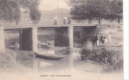 20823 INDRET - Pont De La Chaussée - Sans éditeur;  Bateau Barque Lasetre1022
