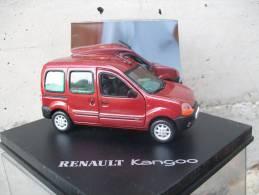 VITESSE - RENAULT KANGOO  AVEC SA  BOITE  Scala 1/43 - Vitesse