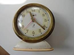 VINTAGE : REVEIL JAZ CIE. INDUSTRIELLE DE MECANIQUE HORLOGERE PARIS - Alarm Clocks