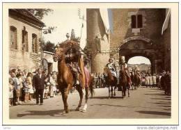 8è CENTENAIRE DE LA VILLE DE VILLENEUVE SUR YONNE CAVALIERS EN TENUE REF8553 - Villeneuve-sur-Yonne