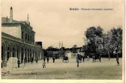 Cpa Bon Etat , Brindisi , Carte Rare , Stazione Ferroviarie  (esterno)  Courrier Au Verso - Brindisi