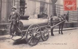 CPA 83 TOULON ,le Torpilleur Des Rues. (n°47.) Animée.... - Métiers