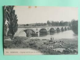VERNON - Paysage Vers Le Pont De Pierre - Vernon
