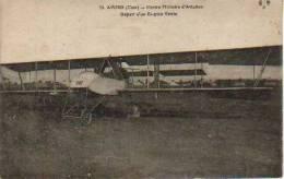 AVORD CENTRE MILITAIRE D'AVIATION DEPART D'UN BI PLAN VOISIN CHER - Avions