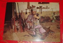 [ ARMES ] PAKISTAN / AFGHANISTAN, Armurier à Darra Adamkhel, Près De Peshawar. - Afghanistan