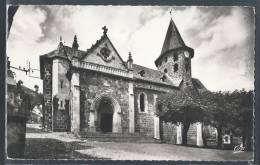 - CPSM 15 - Vic-sur-Cère, L'église - France