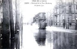 Paris - Crue De La Seine 1910 - Rue De La Tour-Maubourg - Le Tramway Surfe Sur La Vague - Très Beau Plan Animé - La Crecida Del Sena De 1910