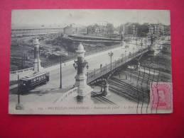 CPA  BELGIQUE BRUXELLES  MOLENBEEK  BOULEVARD DU JUBILE  LE PONT MONUMENTALE TRAMWAY  VOYAGEE 1922 TIMBRE  BELGE - Molenbeek-St-Jean - St-Jans-Molenbeek