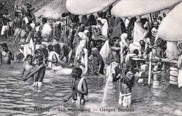 BENARES (Indien), Ganges, Bathing - Sun Worshiping, Nicht Gelaufen Um 1910, Gute Erhaltung - Indien